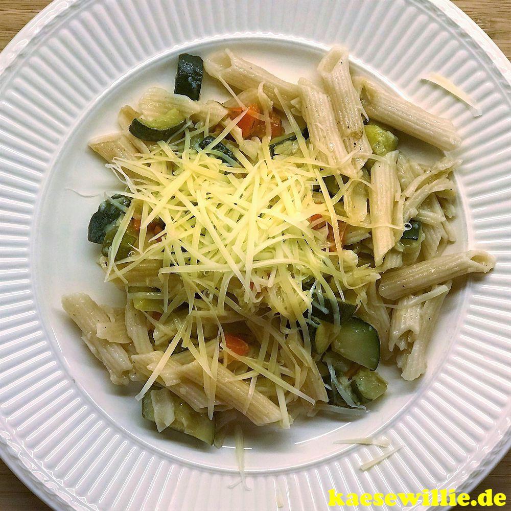 Pasta mit Pecorino & Minze