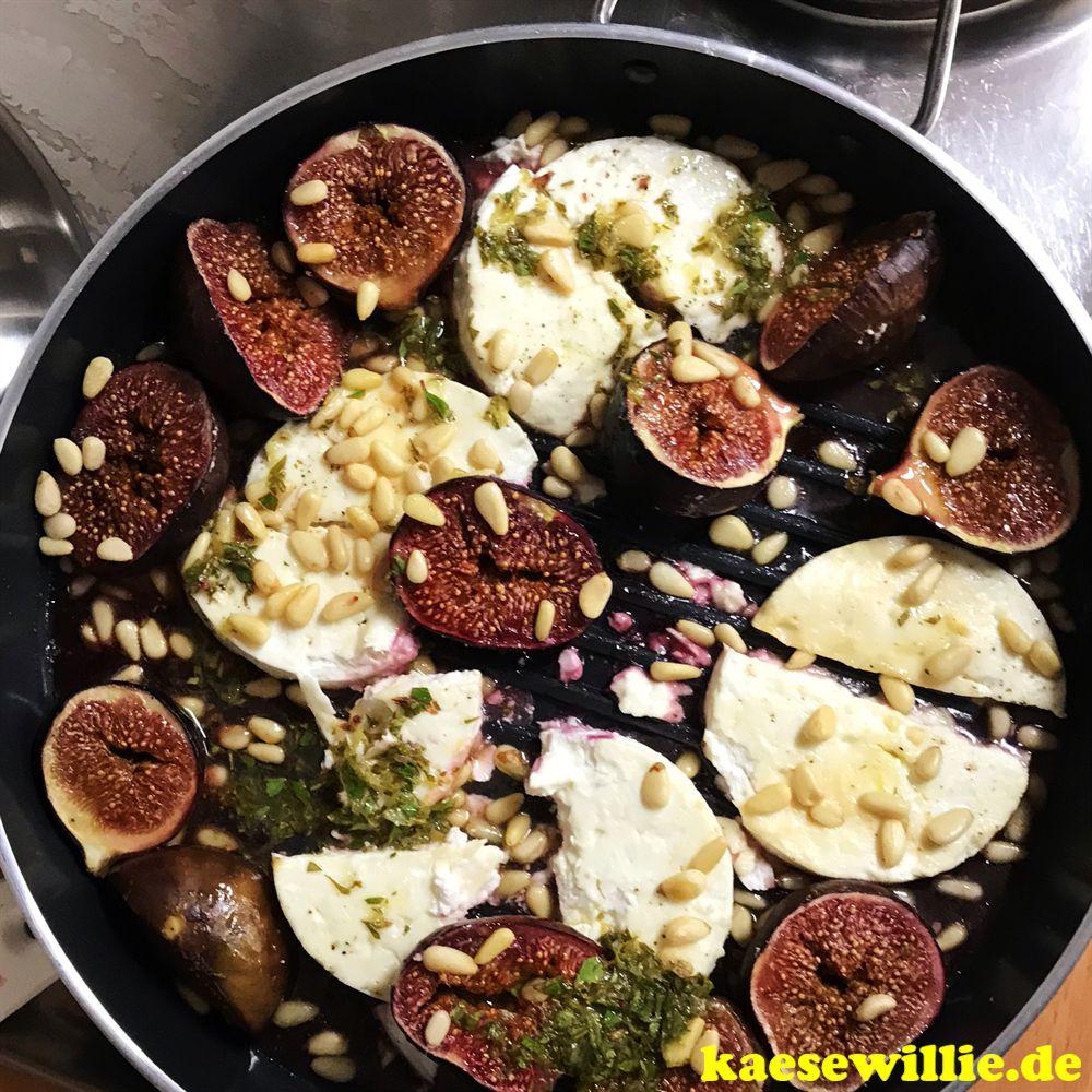 Feta mit Feigen, Pinienkernen & Basilikum