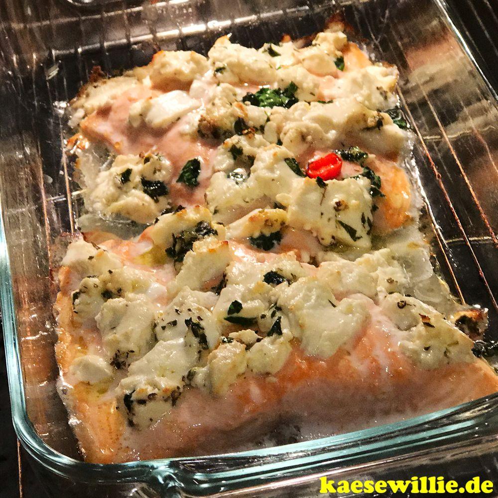 Lachs aus dem Ofen mit Fetakäse