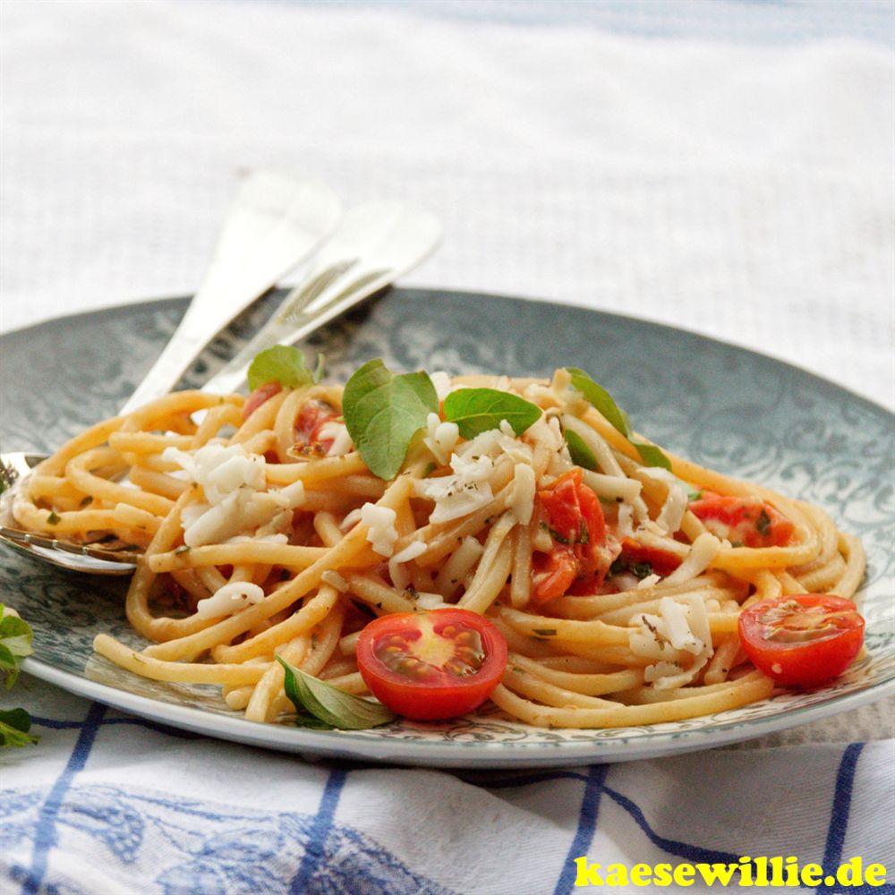 Spagetti mit Ziegenkäse & karamellisierten Tomaten