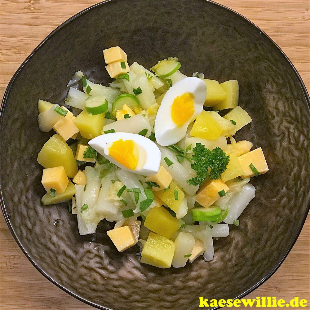 Spargelsalat mit Ei und Käse